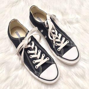 [Converse] EUC black low top sneakers unisex